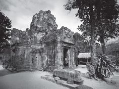 Founded as a Buddhist monastery and university in the late twelfth century, the temple complex of Ta Prohm was once home to more than 12,500 people.
