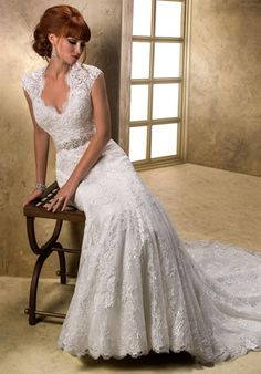 Since discovering this designer, and her stunning, romantic dresses several years ago, I've been fervently hoping Julianna will choose one of her dresses! She deserves a PHENOMENAL dress and Maggie Sottero makes phenomenal dresses!