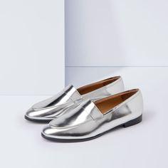 Handgefertigte Loafers, hergestellt in Spanien, Oberteil Leder, Innensohle Leder, Außensohle synthetisches PU, wird mit dust bag und in exklusiver Schuhbox geliefert.