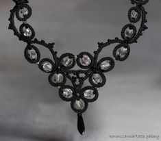 Necklace black detail