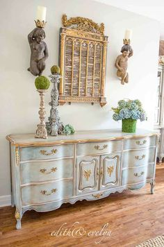 Decorate your home with Shabby Chic – Home Decor Do It Yourself Vintage Bedroom Furniture, Refurbished Furniture, Shabby Chic Furniture, Rustic Furniture, Furniture Makeover, Cool Furniture, Painted Furniture, Furniture Design, Antique Furniture