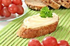 Ty nejlepší pomazánky na jednohubky, kanapky a obložené chlebíčky | ReceptyOnLine.cz - kuchařka, recepty a inspirace Sandwiches, Pie, Feta, Cooking, Carne, Dessert, Vegan Food, Vegans, Torte