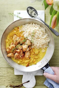Chicken with apples - Chicken with apple and curry - I Want Food, Love Food, Healthy Cooking, Cooking Recipes, Healthy Recipes, Sauce Creme, Food Porn, Comfort Food, No Cook Meals