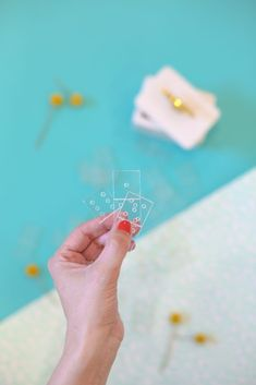 DIY Acrylic Dominoes | lovelyindeed.com