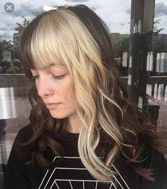 Hair Color Streaks, Blonde Streaks, Blonde Hair, Blonde Bangs, Two Color Hair, Hair Dye Colors, Long Hair With Bangs, Long Curly Hair, Curly Hair Styles