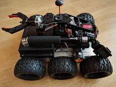 Remote Controlled All Terrain Robot: 10 Steps (with Pictures) Computer Projects, Robotics Projects, Arduino Projects, Robotics Engineering, Electronic Engineering, Learn Robotics, Mobile Robot, Alcohol Dispenser, Big Robots