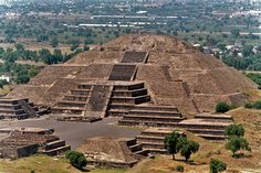 Study suggests Pyramid of the Moon set urban design of Teotihuacan Mexico Places To Visit, Cool Places To Visit, Moon Setting, Archaeology News, Cancun Mexico, United States Travel, Travel Abroad, North America, Latin America
