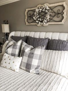 Home Remodeling Decor How to create a neutral master bedroom that's cozy and cute with decor, bedding and more - Today I'm sharing some tips on how to create a neutral and cozy master bedroom! One you can relax in, be proud of and enjoy! Farmhouse Bedroom Furniture, Bedroom Furniture Design, Home Decor Bedroom, Farmhouse Decor, Diy Home Decor, Farmhouse Style, Bedroom Bed, Master Bedrooms, Modern Bedroom