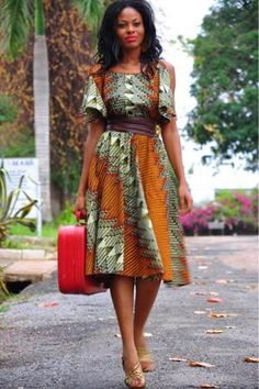 African Fashion & Style I really love this dress wish I could buy it  Off to the sowing kit I go!