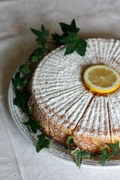 Torta a caprese al limoncelloTorta Caprese al limoncello Lemon Recipes, Sweet Recipes, Baking Recipes, Dessert Recipes, Italian Desserts, Italian Dishes, Italian Recipes, Food Obsession, English Food