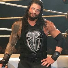 """ROMAN REIGNS' face is like """"Y'all boo me but you know you secretly love me!"""" He looks so cute in this pic. Wwe Superstar Roman Reigns, Wwe Roman Reigns, Wwe Reigns, Roman Reigns Family, Roman Reigns Dean Ambrose, Roman Regins, Catch, My Champion, Wwe World"""