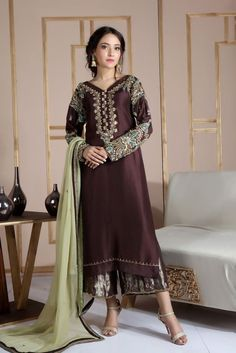Shadi Dresses, Pakistani Formal Dresses, Pakistani Dress Design, Pakistani Designers, Pakistani Outfits, Indian Outfits, Pakistani Gowns, Pakistani Models, Pakistani Bridal
