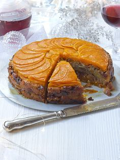 squash, sage and chestnut layer cake - If you need a vegetarian main for your Christmas dinner. This layered cake of butternut squash, potato and fresh sage stuffed with a cranberry and chestnut stuffing looks impressive and tastes delici Vegetarian Christmas Recipes, Vegetarian Cake, Vegetarian Recipes, Cooking Recipes, Cooking Food, Vegan Meals, Vegetable Recipes, Holiday Recipes, Veggie Christmas