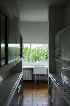Villa Savoye: bright kitchen | Le Corbusier | Pinterest ...Villa Savoye Kitchen