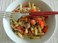 salad from pasta, tuna, peppers & more = yummi!