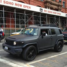 Love the matte black color of this #Toyota FJ Cruiser in SoHo, NYC.