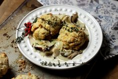 Vegan Thanksgiving Recipes: Herb Mushroom Gravy and Biscuits | Peaceful Dumpling