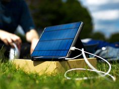 Solartab: Premium solar chargers for phones and tablets. Fully optimized for Apple iPhone, iPad and Samsung tablets and smartphones. Perfect for Pokémon GO players! Solar Charger, Solar Battery, Renewable Energy, Solar Energy, Innovation, Portable Solar Power, Solar Generator, Digital Trends, Tecno