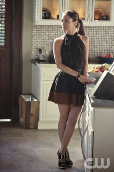 "Hart of Dixie -- ""Baby Don't Get Hooked on Me""-- Pictured: Rachel Bilson as Dr. Zoe Hart -- Photo: Mike Ansell/The CW--© 2012 The CW Network, LLC. All rights reserved."