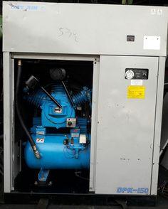 Cung cấp máy nén khí cũ dạng piston có thùng cách âm và tách ẩm. Công suất 15 kW, làm mát bằng gió.