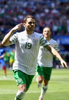 Robbie Brady of Republic of Ireland celebrates scoring the opening goal during the UEFA EURO 2016 round of 16 match between France and Republic of Ireland at Stade des Lumieres on June 2016 in Lyon, France. Jack Charlton, Uefa Euro 2016, Lyon France, Republic Of Ireland, Squad, Irish, June, Soccer, Football
