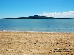 Takapuna Beach - a great place for sailing