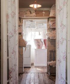 Dream Laundry Room at The Prairie – Rachel Ashwell's B&B – Home Decor Decor, Shabby Chic Laundry Room, Room, Shabby Chic Apartment, Shabby, Dream Laundry Room, Home Decor, Inspired Living, Rachel Ashwell Shabby Chic