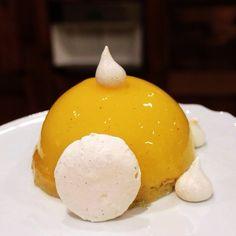 Pinky Cake, Dôme glacé au citron #mousseaucitron #citron #citronglacé #citronmeringué #tarteaucitronrevisitée #sablédiamant #tarteaucitronmeringuée #pinkycake