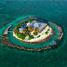 East Sister Rock is a 3 bedroom private island vacation rental located in the Florida Keys within view of Sombrero Lighthouse, and Sombrero Beach. Beautiful Islands, Beautiful Places, In Dubai, Desert Island, Small Island, Floating Island, Island Life, Rock Island, Cool Pictures