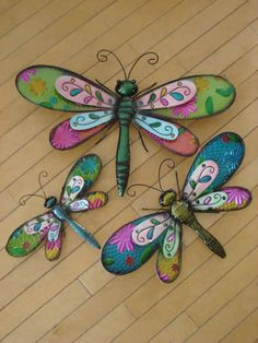 Mondus Distinction offers unique Garden Décor and Garden Gift Ideas like Garden Wall Art, Garden Plaques and Stepping Stones like Butterflies, Suns, Sconces, Sundials and other Unique Garden Art. Garden Wall Art, Metal Garden Art, Metal Art, Outdoor Metal Wall Art, Dragonfly Yard Art, Dragonfly Painting, Butterfly Crafts, Butterfly Art, Spindle Crafts
