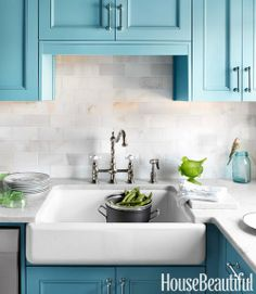 "A Beautiful Blue for the Kitchen: Benjamin Moore's ""Hemlock"""
