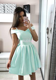 Sukienkowo.com - JULIA - Rozkloszowana sukienka bez ramion miętowa