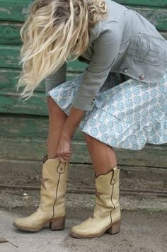 I LOVE these cowgirl boots! Would where them in a heartbeat!