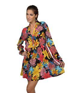 Insight φόρεμα. Από την Fall – Winter 2012 συλλογή της Insight, μακρυμάνικο φόρεμα, με prints από εξωτικά λουλούδια, γιακά, κουμπιά, σχέδιο που θυμίζει πουκαμίσα και άνετο fit. Συνδυάζεται με το κολάν σου, με οπάκ καλσόν αλλά denim skinny παντελόνι. Τις ζεστές μέρες του Φθινοπώρου ή ακόμα και της Άνοιξης μπορείς να το φορέσεις κ σκέτο με τις αγαπημένες γόβες ή σανδάλια. Ένα pass partout κομμάτι για όλες τις εποχές!Σύνθεση: 100% ryon.  68.50 €
