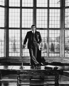 Sean Connery by Leo Fuchs: Hollywood Lifestyle Photography Sean Connery, Paul Newman, Marlon Brando, Hollywood Icons, Classic Hollywood, Old Hollywood, Yvonne De Carlo, Casino Royale, Audrey Hepburn