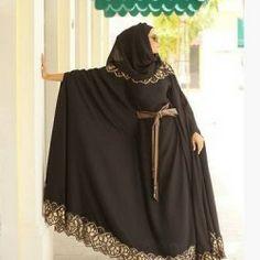 İşlemeli Siyah Abaya