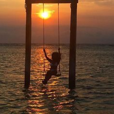 Be here....in the now...  : @leona_in_vogue : #Lombok #Indonesia  #blacktravelista #blackgirlstravel #blackgirlmagic #blackgirlsrock #travelgram #travel #black #passport #instapassport #instatravel #travelista #blacktravelers #wanderlust #passportready #travelblogger #destination #travelpics by blacktravelista