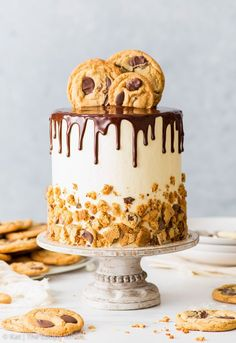 Chocolate Chip Cookie Cake (Gluten Free) [SPONSORED] A dessert that doesnt Crazy for Cupcakes Cakes and Frosting Chocolate Chip Cookies, Mini Chocolate Chips, Chocolate Ganache, Chocolate Fondant, Modeling Chocolate, Flourless Chocolate, Vegan Chocolate, Easy Cake Recipes, Dessert Recipes
