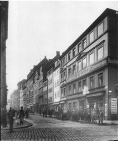 Ecke Ritterstraße / Brühl. Hier ist der Blick nach Süden in die Ritterstraße hinein um 1890; die Häuser rechts (Westseite) gibt es alle nicht mehr - viele wurden bereits für den Bau von Oelßner's Hof 1896 abgerissen