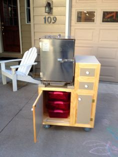 Repurposed grill frame into electric smoker cart. Smart hubby ...