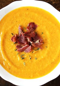 Apple Butternut Squash Soup - This healthy easy soup recipe is topped with turkey bacon crumbles. Tastes like fall!
