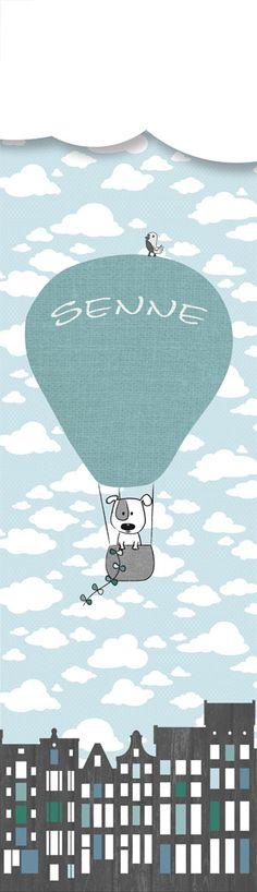 Een leuk muursticker idee voor de babykamer. De mint en grijs kleuren maken het lekker neutraal, voor als je nog niet weet wat het gaat worden ... Je kunt natuurlijk ook zonder tekst bestellen of bijvoorbeeld de tekst: Lief. De luchtballon heeft een stoere canvaslook. Het mandje heeft een breiwerk look en de huisjes hebben een mooie houtstructuur.