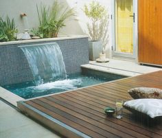 Water Feature and hot tub / plunge pool