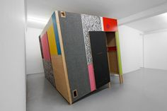 Heimo Zobernig Ohne Titel (hz 2008-091a), 2008 various materials, wood, plywood, video projection 405 x 290 x 320 cm Galerie Micheline Szwajcer