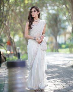 Hania Aamir to Maya Ali: 5 ways to drape classic white sari this wedding season! | The Express Tribune