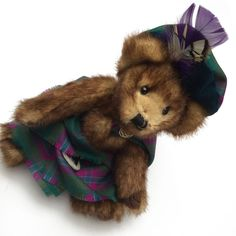 Decked out in the Dunans Rising tartan, this highly collectible bundle of furry sweetness wears kilt, sash and bonnet. Clan Chief Charlie Bear is 10 inches high and fully-jointed. Charlie Bears, Tartan, Burns, Scotland, Castle, Teddy Bear, Night, Places, Animals