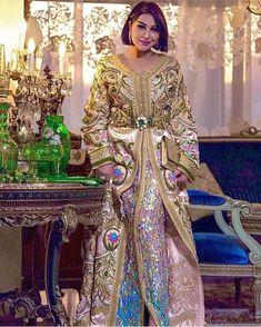 Casual Dresses, Fashion Dresses, Women's Fashion, Moroccan Caftan, Royal Dresses, Mode Inspiration, Traditional Outfits, Pretty Dresses, Casablanca