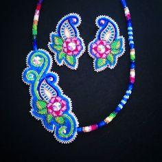 #beadedaccessories #beadedearrings #beadedflorals #nativeamericanbeadwork