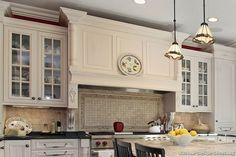 #Kitchen of the Week: Mantel Style Range Hood, Basketweave Backsplash, and Mullion Glass Door Cabinets (Kitchen-Design-Ideas.org)