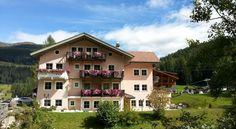 Hotel Mühlenhof Sesto Hotel Mühlenhof overlooks the Dolomites and the beautiful Fiscalina Valley. It includes a ski storage space and bicycle rental services. A children's playground and free parking are also available.